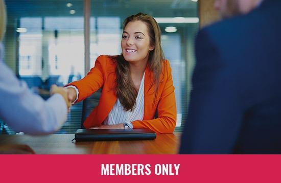 Frauen_bei_der_Stellenbewerbung_memberyonly