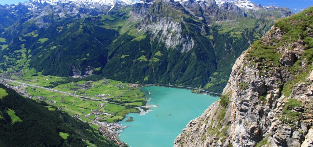 Blick_vom_Gipfel_des_Rophaien_im_Schweizer_Kanton_Uri